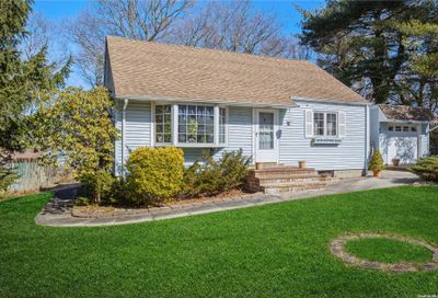 65 Clearview Avenue Selden NY 11784