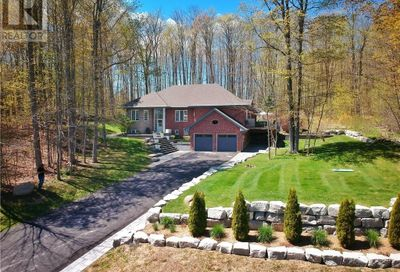 1904 Forest Valley Drive Innisfil ON L9S4A5