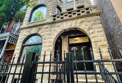 2242 N Halsted Street Chicago IL 60614