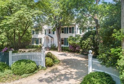 82 Cove Road Oyster Bay Cove NY 11771