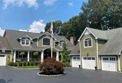 473 N Lakeview Avenue Bayport NY 11705