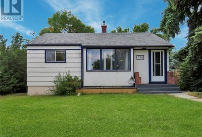 328 7th AVE NW Swift Current SK S9H0Z2