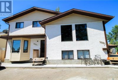 2561 Ross CRES North Battleford SK S9A3R2