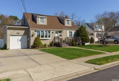 507 18th Street W. Babylon NY 11704