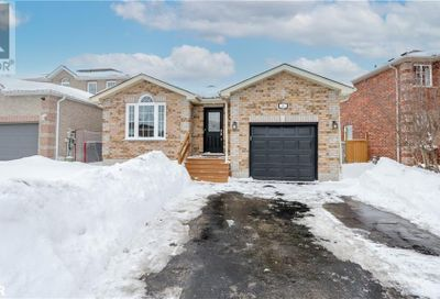 113 Gore Drive Barrie ON L4N0A8