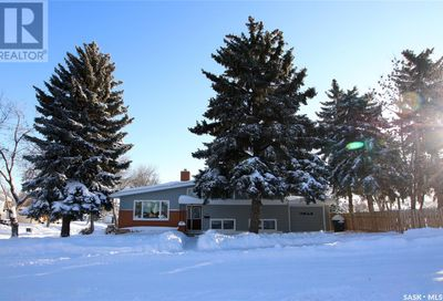 1206 Irwin DR Swift Current SK S9H1Z7