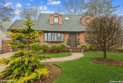 114 N Radcliff Drive East Norwich NY 11732