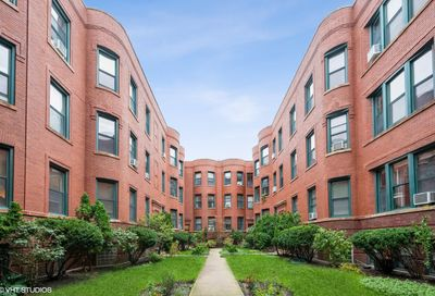 832 W Lakeside Place Chicago IL 60640