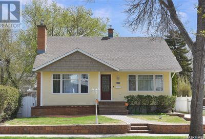 1129 Grafton AVE Moose Jaw SK S6H3S4