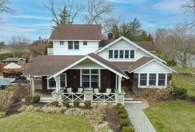 275 Woodland Drive Brightwaters NY 11718