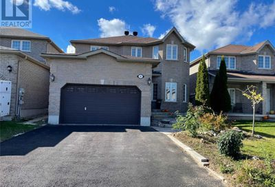 40 Lamont Crescent Barrie ON L4N2G8