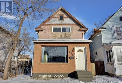 230 Athabasca ST W Moose Jaw SK S6H2B9