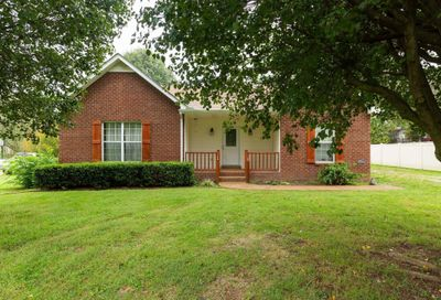 712 Red Hollow Dr Springfield TN 37172