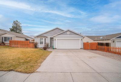 2827 NW 9th Place Redmond OR 97756