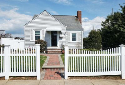 2 Catherine Place N. Bellmore NY 11710