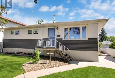 445 9th AVE NW Swift Current SK S9H1B2