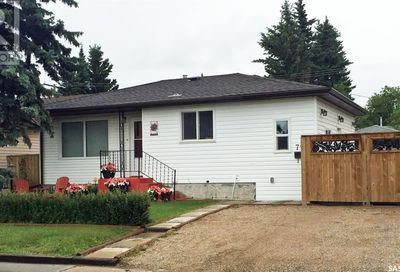 710 Centre ST Meadow Lake SK S9X1G2