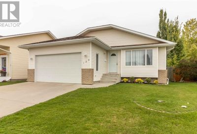 125 Lampard Crescent Red Deer AB T4R2W7