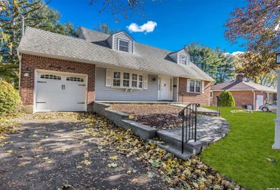 77 Roebling Place E. Northport NY 11731