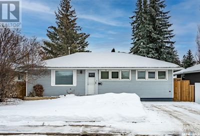 2505 William AVE Saskatoon SK S7J1B2