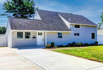 73 Coppersmith Road Levittown NY 11756