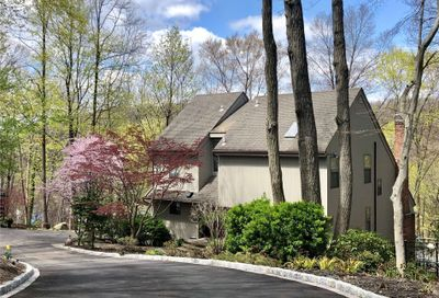 39 Fairway Place Cold Spring Hrbr NY 11724