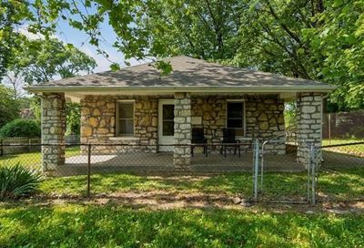 602 S Overton Avenue Independence MO 64053