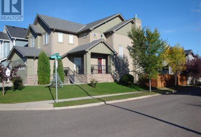 832 Coopers Square Airdrie AB T4B0G7