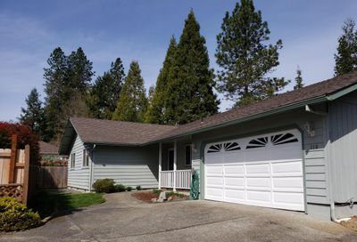 110 NW Sinclair Drive Grants Pass OR 97526