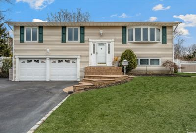 19 Derby Place Kings Park NY 11754