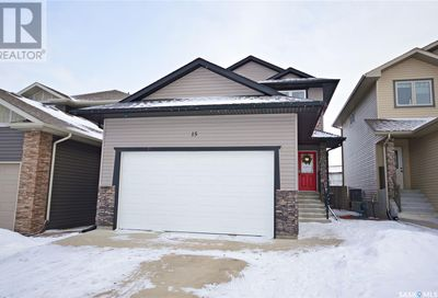 15 Everton CRES Moose Jaw SK S6K0A1