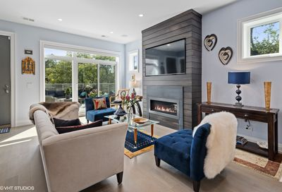 729 W Diversey Parkway Chicago IL 60614