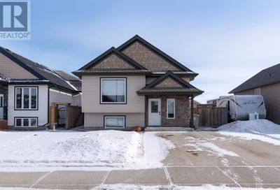 1313 54th Avenue Close Lloydminster AB T9V2K1