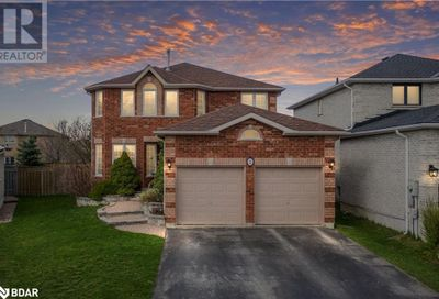 22 Shaina Court Barrie ON L4N9S6