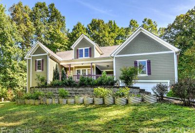 22 Balsamwood Road Leicester NC 28748