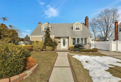 992 Windermere Road Franklin Square NY 11010
