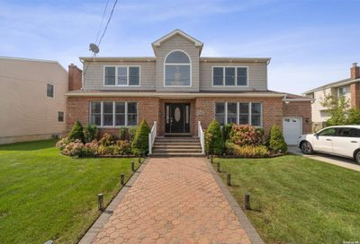 712 Evelyn Avenue N. Bellmore NY 11710