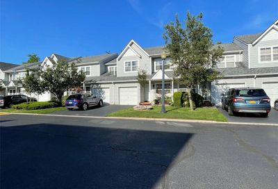 40 Pleasantview Drive Central Islip NY 11722