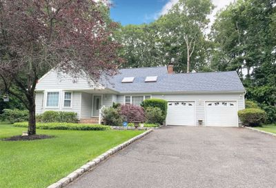 1 Aster Place Moriches NY 11955
