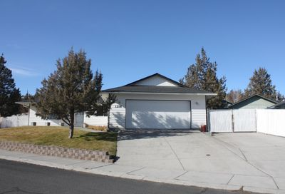 1218 SW Kenwood Drive Madras OR 97741