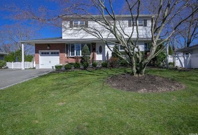 61 Fisher Road Commack NY 11725