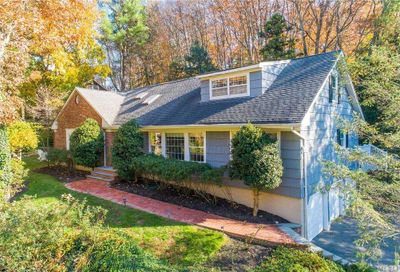 34 Fairway Place Cold Spring Hrbr NY 11724
