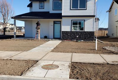 798 NW 27th Street Redmond OR 97756