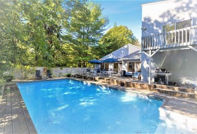 15 Deerfield E. Road Quogue NY 11959