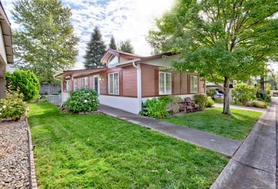 133 NW Wrightwood Circle Grants Pass OR 97526