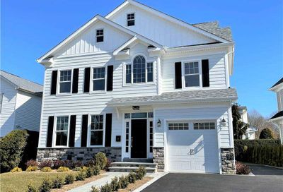 177 Tanners Pond Road Garden City NY 11530