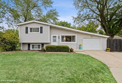 4035 N Lincoln Street Westmont IL 60559