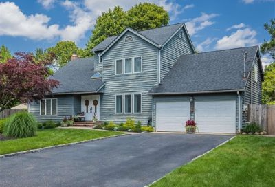 340 Woodhollow Road Great River NY 11739