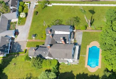 110 Wolver Hollow Road Upper Brookville NY 11545