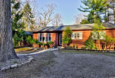 125 Forest Road Kings Park NY 11754